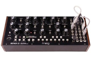 Imagenes de Moog Mother 32
